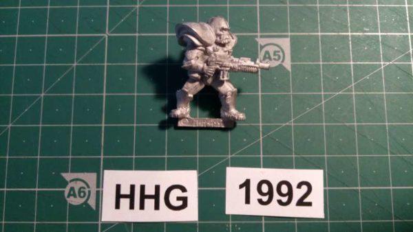 8002 - bauhaus ranger with neutronic auto shotgun - bauhaus - 1992 - hhg - unknown