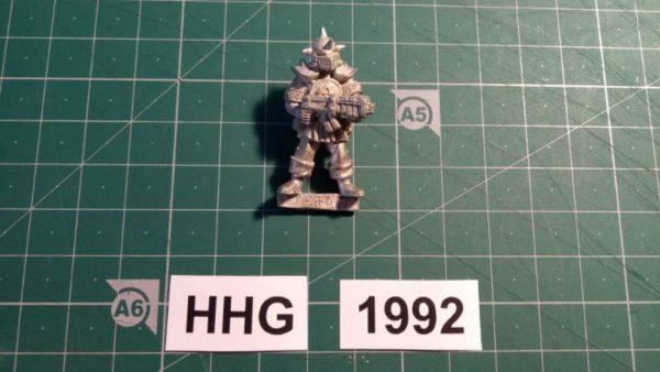 8011 - ilian templar guard with necro assault rifle - dark legion - 1992 - hhg - unknown