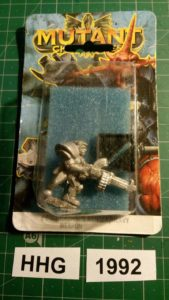 Miniature of Mutant Chronicles from the first edition of the RPG - 8001 - bauhaus ranger with heavy weapon - bauhaus - 1992 - hhg - unknown (blister)
